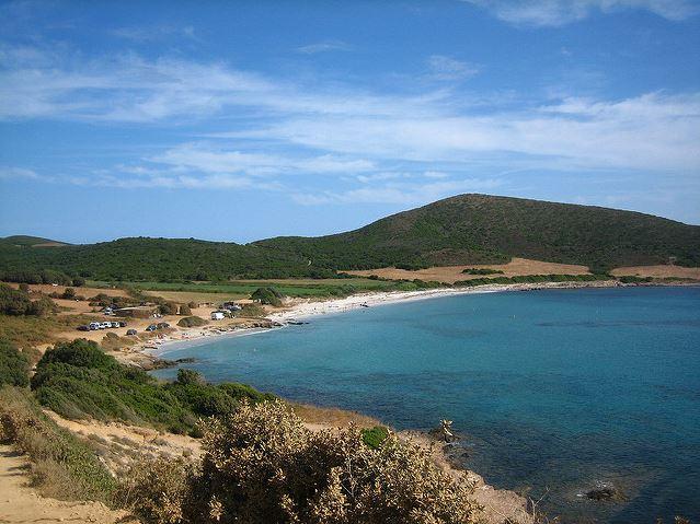 Nettoyage de plage à la pointe du Cap Corse