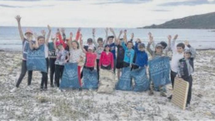 Haro sur la pollution plastique pour les jeunes gardiens du littoral