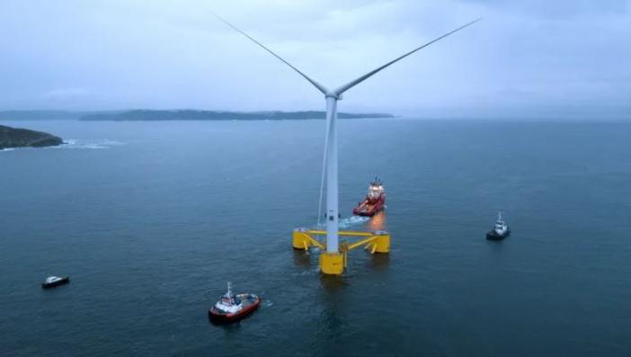 Mare latinu : Un parc éolien flottant pour remplacer les deux centrales au fuel en Corse?