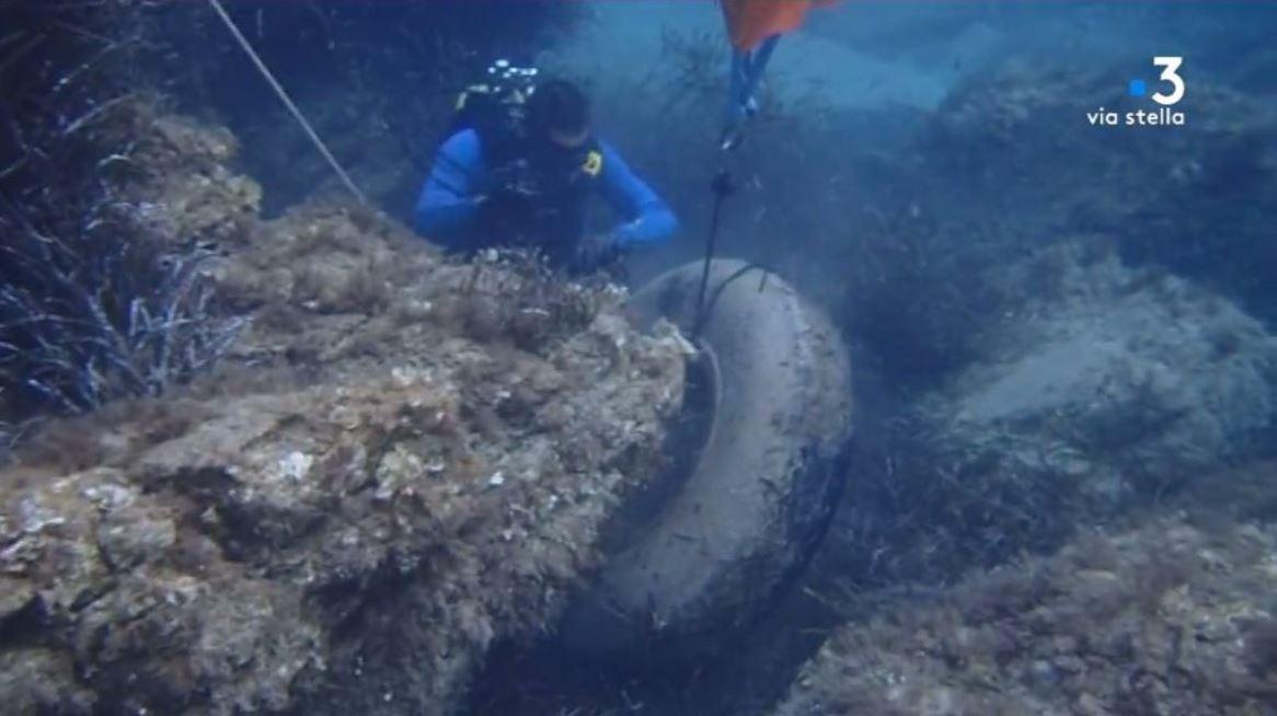 Centuri : 30 bénévoles nettoient la plage et les fonds marins