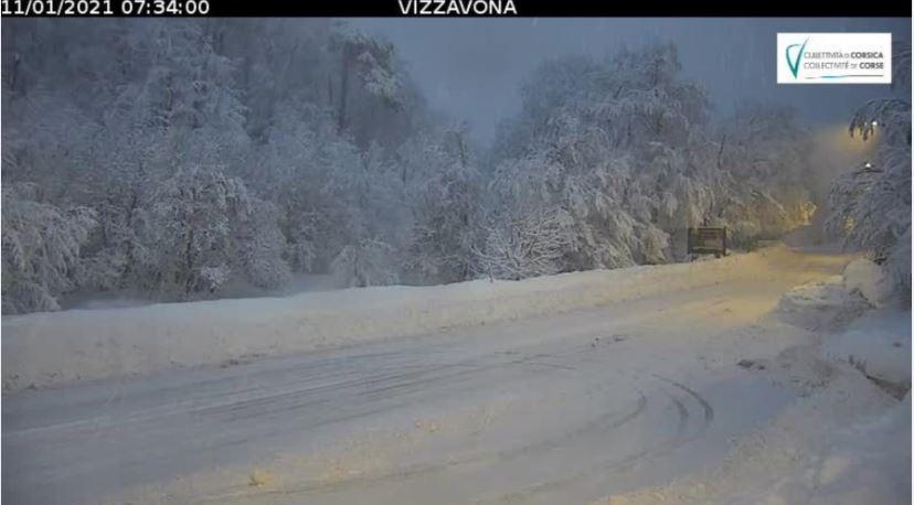 Equipements spéciaux pour franchir le col de Vizzavona ce matin
