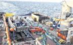 La lutte contre la nappe de paraffine se poursuit en mer