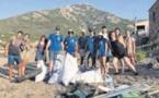CorSeaCare et Wings of Ocean unis pour dépolluer la plage