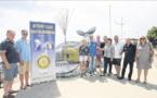 Le Rotary club offre une baleine gloutonne de bouteilles