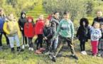 Les enfants de l'école découvrent les us et coutumes de la récolte des olives