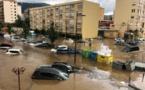PHOTOS - Inondations à Ajaccio : des personnes bloquées dans leurs véhicules