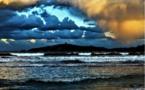 La baie de Pinarello, l'île et sa tour génoise