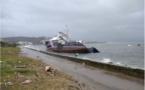 Un barrage flottant suite au naufrage du remorqueur des Phares et Balises Sanguinaires II à Aiacciu