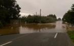 Intempéries : routes coupées et 20 000 foyers privés d'électricité en Plaine Orientale