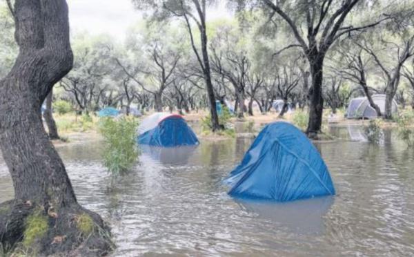 Galeria : douche froide pour le camping Casa di luna