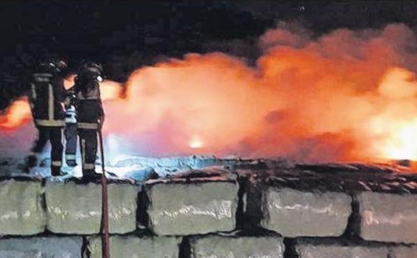 Balles de déchets en feu